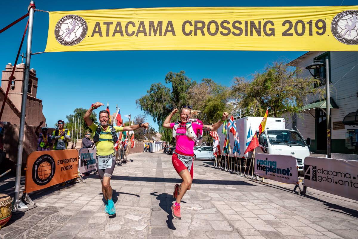 Tanja Schönenborn und Rafael Fuchsgruber beim Einlauf ins Ziel