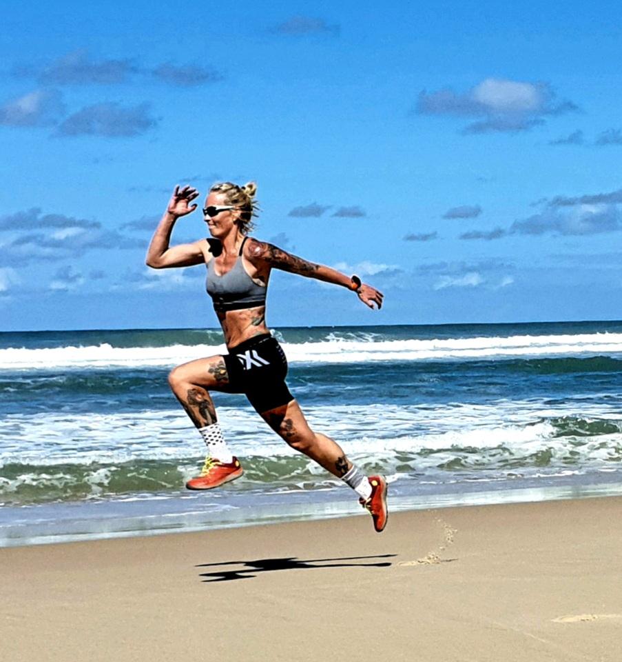 Tanja Schönenborn beim Training am Strand