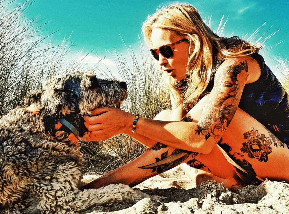 Tanja Schönenborn mit Hund Hola